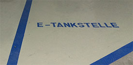 Parkhaus mit E-Tankstelle